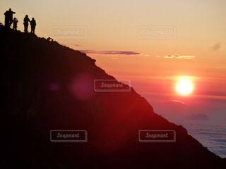 富士山頂上からの御来光 バージョン1の写真・画像素材[756773]