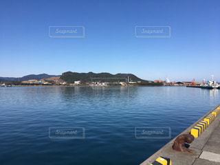 工業港のキレイな海の写真・画像素材[965196]