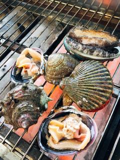 グリルの調理肉のグループの写真・画像素材[982107]