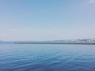 水の大きな体の写真・画像素材[1183499]