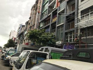 街の通りに駐車 - No.748407