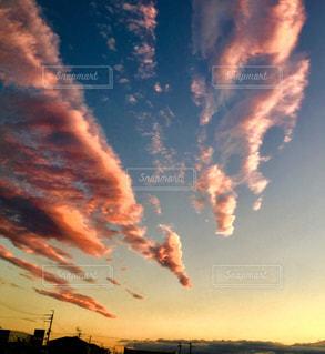空には雲のグループの写真・画像素材[769949]