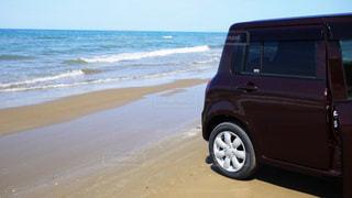 砂浜ドライブの写真・画像素材[806816]