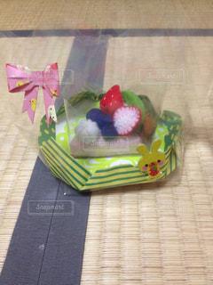テーブルの上のケーキの一部の写真・画像素材[753762]
