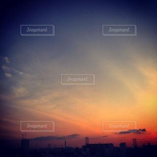 昼と夜の境目の写真・画像素材[750362]