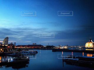 海辺の夕暮れの写真・画像素材[751964]