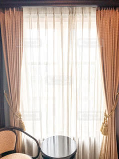 逆光のカーテンの写真・画像素材[798380]