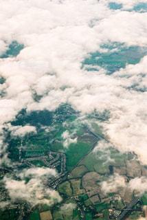 飛行機から撮ったヨーロッパの上空の写真・画像素材[1049263]