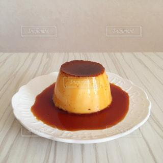 皿の上のケーキの一部の写真・画像素材[751824]