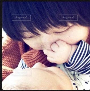 赤ちゃんとママの写真・画像素材[757130]
