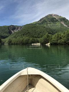 水の体のボート - No.754021