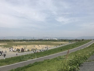 昼下がりの河川敷の写真・画像素材[1140732]