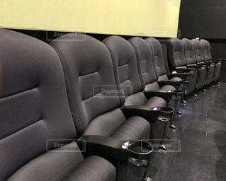 映画館のソファの写真・画像素材[1175911]