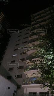 背の高い建物の写真・画像素材[1213448]