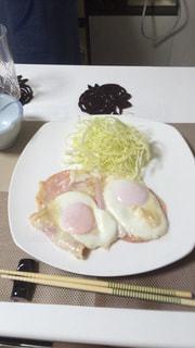 食品のプレートの写真・画像素材[1213454]