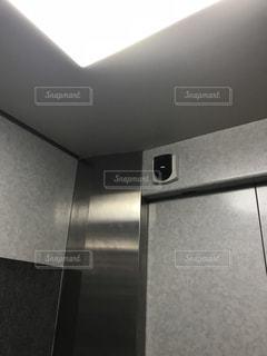 エレベーターの中の写真の写真・画像素材[1226093]