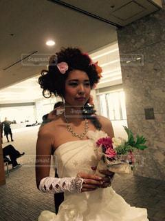 ウェディング ドレスを着た女性の写真・画像素材[1231507]