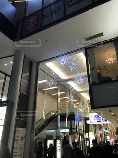 店の人々 のグループの写真・画像素材[1672790]