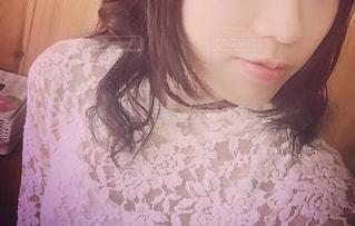 取って、selfie ピンクの髪の女の写真・画像素材[1697417]