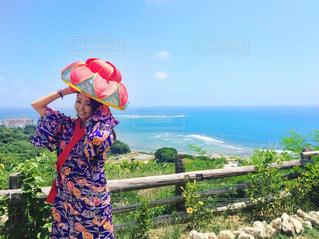斎場御嶽で沖縄の民族衣装 - No.753990