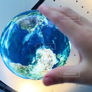 地球を掴むの写真・画像素材[762896]