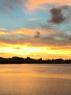 夕方の空の写真・画像素材[806387]