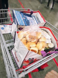 コストコで買い物の写真・画像素材[1157394]