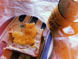 食べかけのトーストの写真・画像素材[1177096]