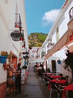 カフェのある坂の写真・画像素材[755721]