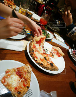 ピッツェリアで夕食 - No.817156