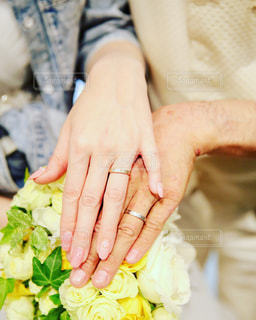 ブーケと結婚指輪の写真・画像素材[756805]