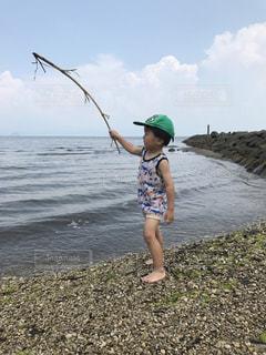海と少年の写真・画像素材[766825]