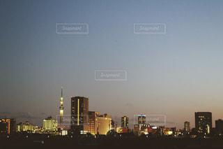 夜の街の景色の写真・画像素材[758179]