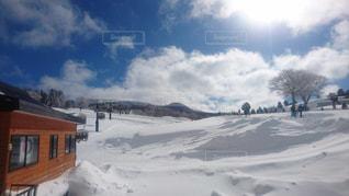 雪に覆われた鉄道の写真・画像素材[807968]