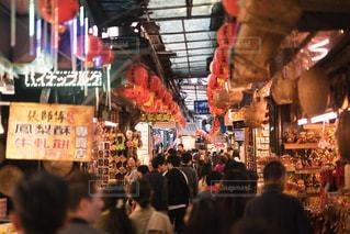 店の人々 の群衆の写真・画像素材[1113518]