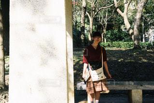 立っている女の子の写真・画像素材[1113674]
