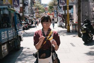 忙しい街の通りを歩く人の写真・画像素材[1113682]