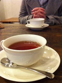 テーブルの上のティーカップの写真・画像素材[759735]