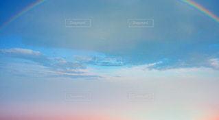 虹のかかった空の写真・画像素材[760299]