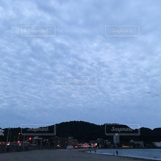夕暮れの逗子海岸の写真・画像素材[802237]