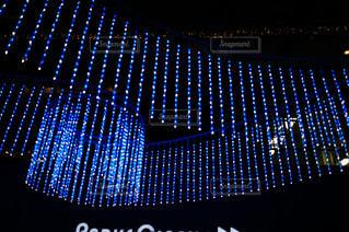 クロック タワーは夜ライトアップの写真・画像素材[758491]