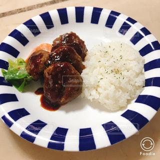 食品のプレートの写真・画像素材[988175]
