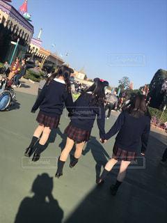 通りを歩く人々 のグループの写真・画像素材[988185]