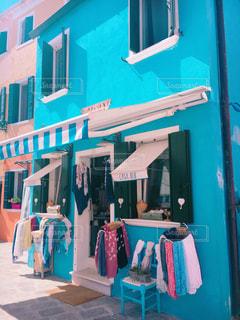 青いお店の写真・画像素材[761019]