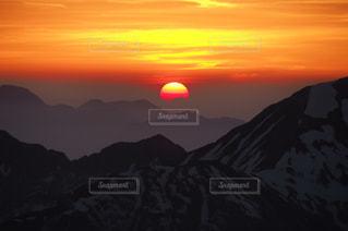 まんまる朝日の写真・画像素材[1316074]