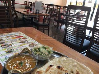 インド料理の店でカレーを食べよう - No.926518