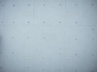 近くに白い壁のアップの写真・画像素材[763107]