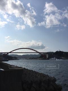 水の体の上の橋の写真・画像素材[763686]
