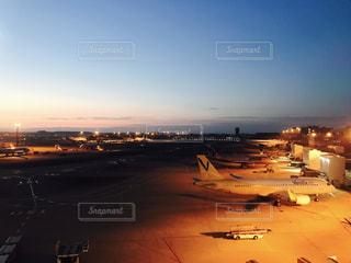 空港での待ち時間の写真・画像素材[782355]