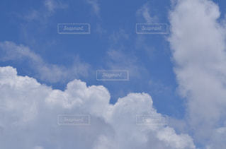 青い空に雲の写真・画像素材[770841]